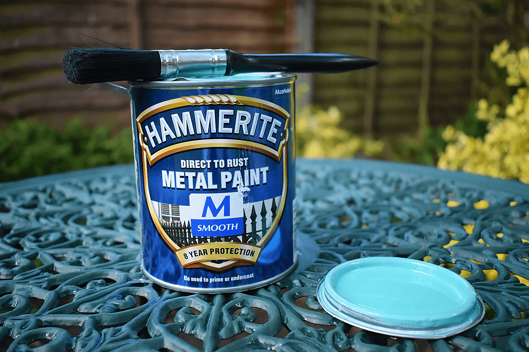 Hammerite paint for garden table and chairs
