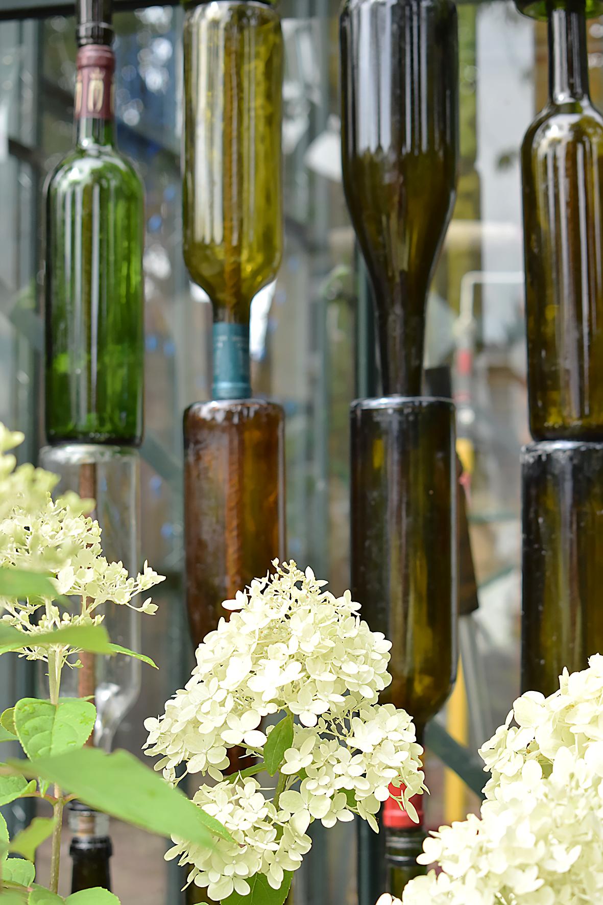 wine bottle screen